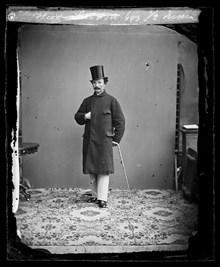 Porträtt av herr Sandell i ytterrock 8caddef32beb9